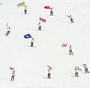 Армянские военнослужащие участвуют в промежуточном зимнем курсе горной подготовки Сачхерской школы им. полковника Бесика Кутателадзе