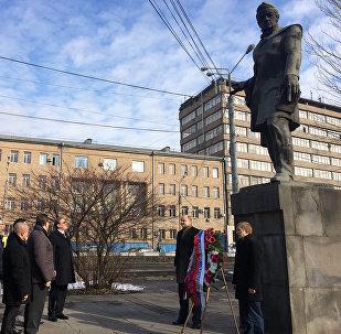 Памятник Александру Грибоедову в Ереване