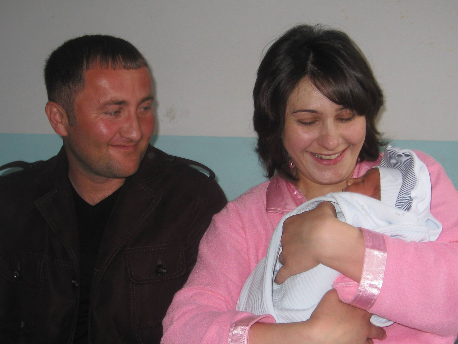 Новорожденный Тигран, которого назвали в честь Тиграна Абгаряна из Гюмри, погибшего в Джабраиле