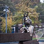 Կոմպոզիտոր Առնո Բաբաջանյանի արձանը