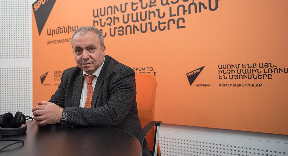 Грант Багратян в гостях у радио Sputnik Армения