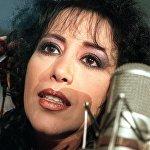 Օֆրա Հազա (1957-2000). իսրայելցի երգչուհի և դերասանուհի, որը ծնվել է բազմազավակ ընտանիքում։ 1980-1983 թ.թ. չորս անգամ ճանաչվել է այդ երկրի լավագույն երգչուհի։ Իսրայելի սիրված երգչուհին մահացել է ՁԻԱՀ–ից։