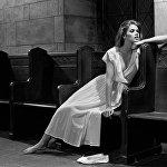 Ջիա Մարի Կարանջի (1960-1986). ամերիկացի մոդել, աշխարհի առաջին սուպերմոդելներից մեկը։ Ջիա Մարի Կարանջին բազմիցս փորձել է ազատվել թմրանյութերից ունեցած կախվածությունից, բայց միշտ ինչ–որ բան է պատահել, և նա վերադարձել է նախկին վիճակին։ Հետո Ջիան հիվանդացել է թոքաբորբով և հայտնվել հիվանդանոցում։ Հետազոտությունից հետո պարզվել է, որ նա հիվանդ է ՁԻԱՀ–ով։