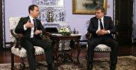 Կարեն Կարապետյան, Դմիտրի Մեդվեդև