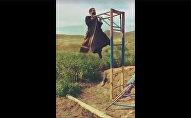 Հայ քահանան մարզվում է դիրքերում