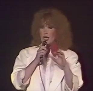 Ալլա Պուգաչովայի կատարումը Գառնիի տաճարում, 1985թ
