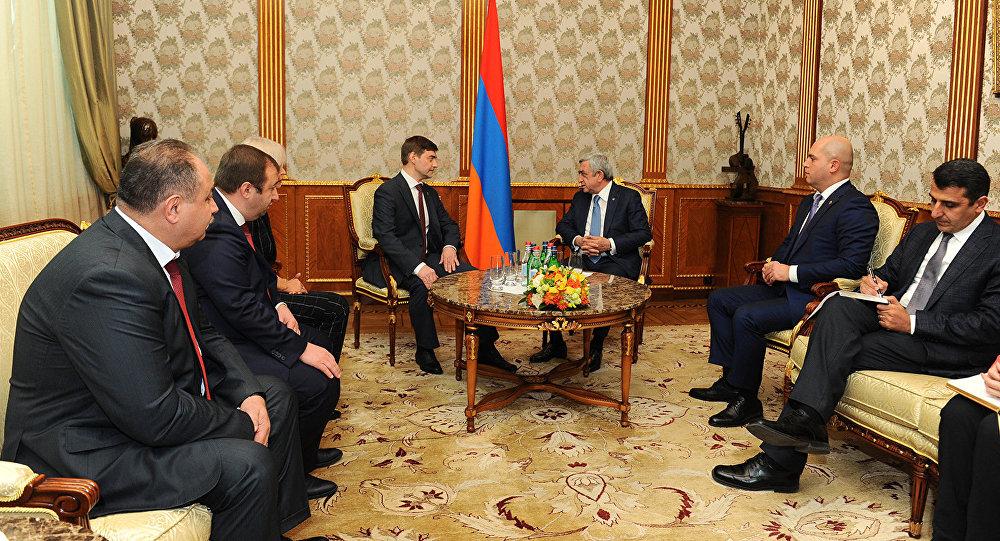 Նախագահ Սերժ Սարգսյանն այսօր ընդունել է ՌԴ Դաշնային ժողովի Պետական դումայում խորհրդարանական մեծամասնություն կազմող իշխող քաղաքական ուժի՝ «Միասնական Ռուսաստան» կուսակցության պատվիրակությանը